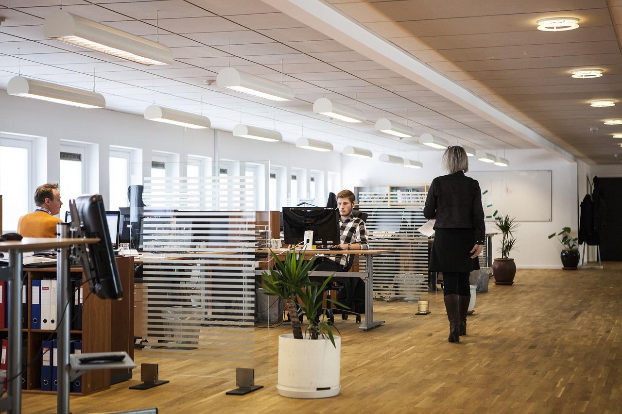 usar farda no escritório
