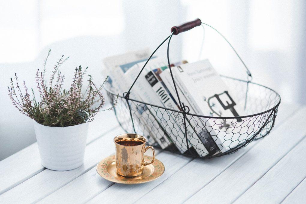 cesta com livros