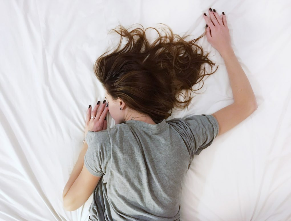 rapariga a dormir