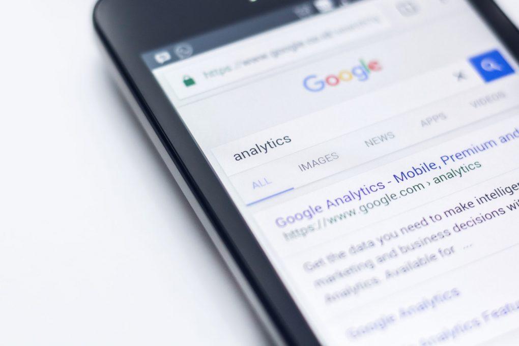pesquisar uma keyword analytics no google