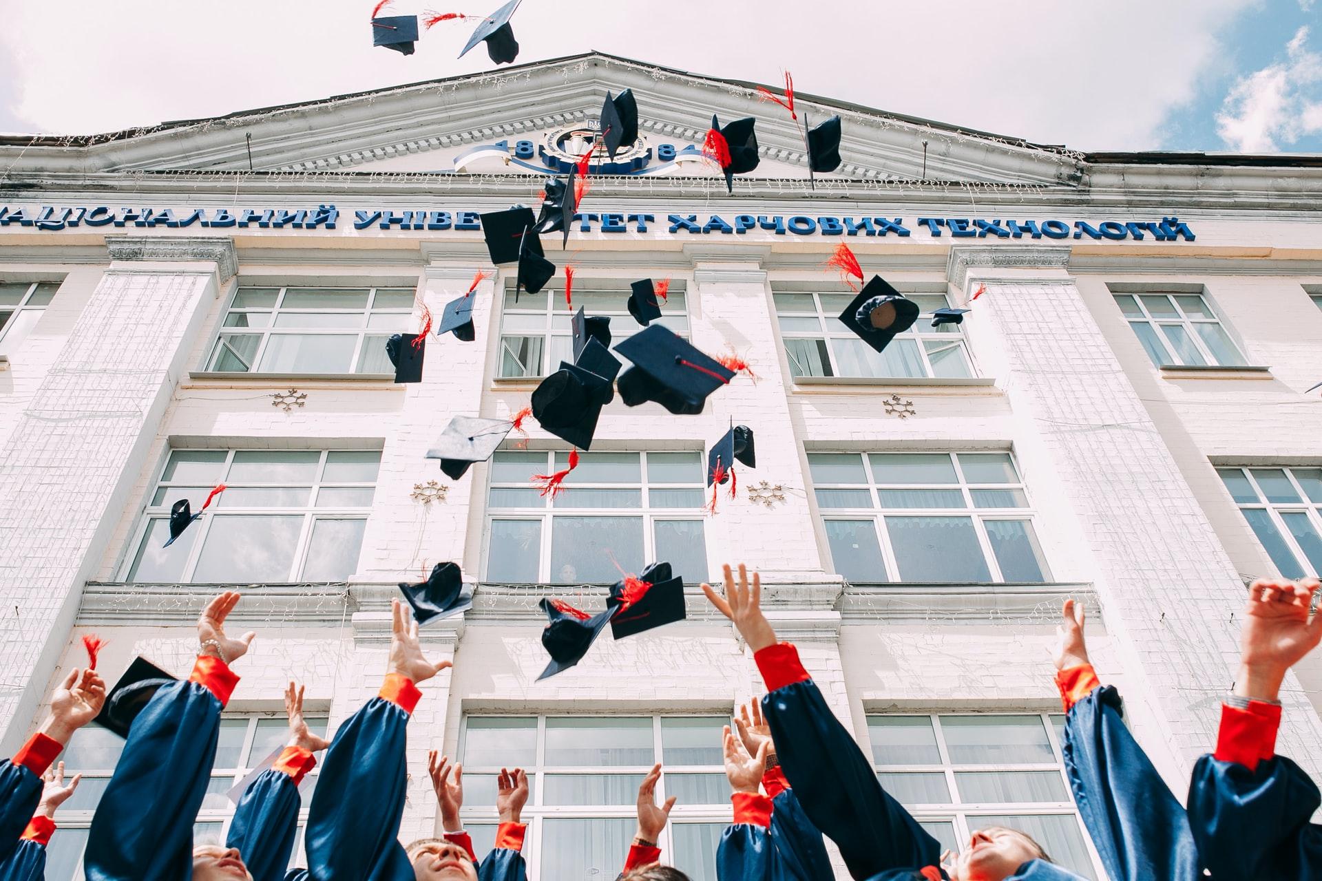 És jovem licenciado? Segue estes 5 conselhos para entrares no mercado de trabalho