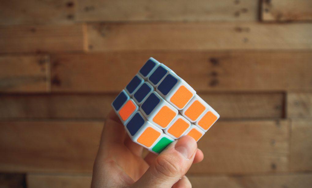 competencias para resolver um rubik cube