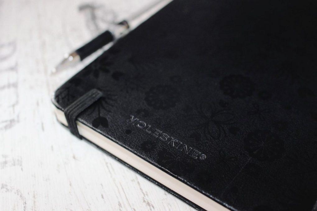 caderno-negro-para-trabalhar-uma-estrategia-de-marketing-de-conteudo