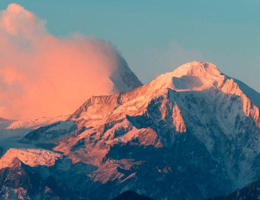 montanha ao por do sol
