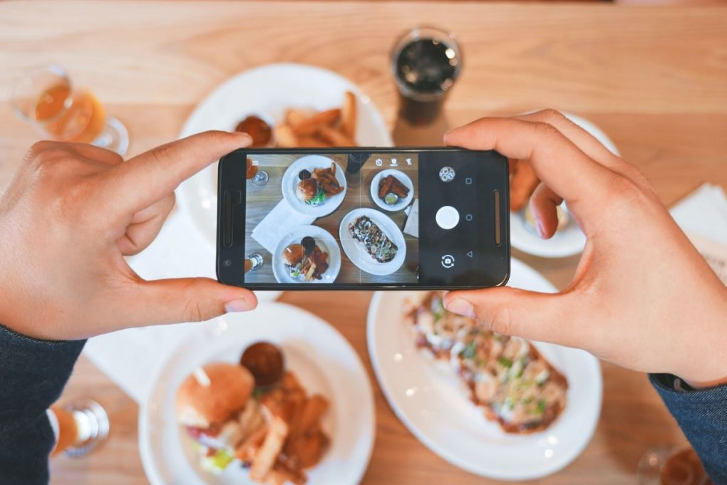 usar o instagram para tirar foto de comida em restaurante