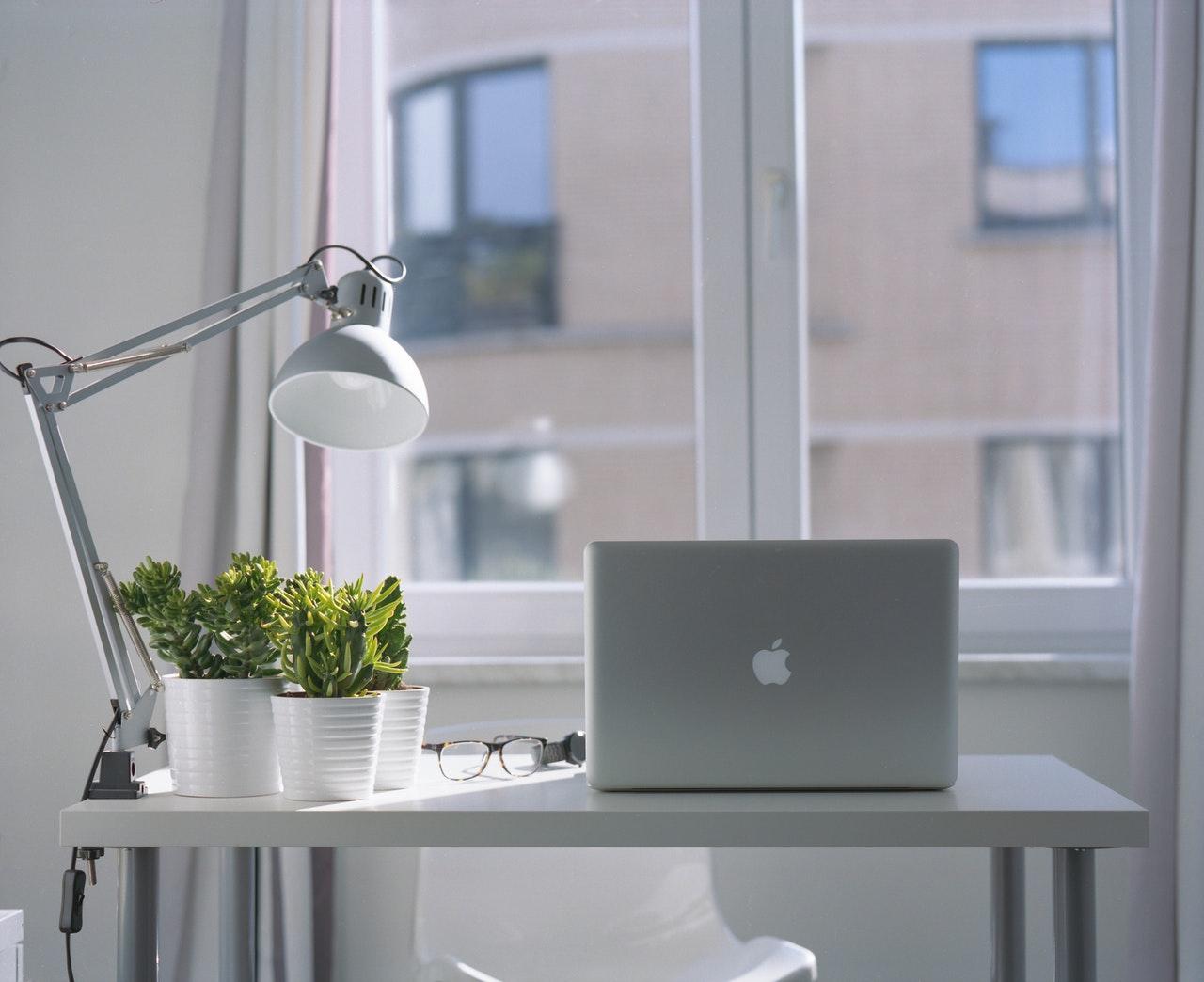 desktop secretaria para escrever